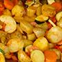 Portion Bratkartoffel, mit Gemüse